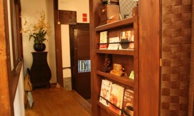 【茨木市 店舗】築80年の古民家を居心地良いカフェにリノベーション (カフェ 玄関)