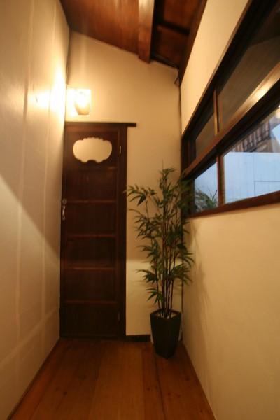 カフェ トイレ (【茨木市 店舗】築80年の古民家を居心地良いカフェにリノベーション)