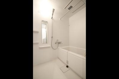 バスルーム (使い勝手重視の間取りへと変更)