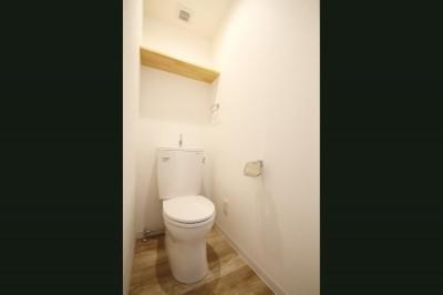トイレ (使い勝手重視の間取りへと変更)