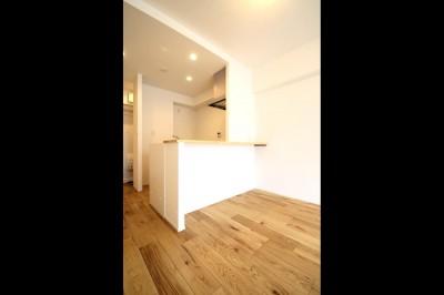 キッチン (白×グレーで清潔感ある空間へ)
