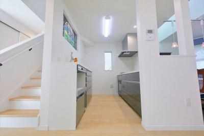 キッチン (練馬・パティオのある光と風の家)