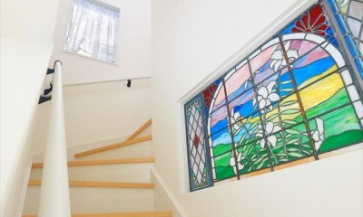 練馬・パティオのある光と風の家 (階段ホール)