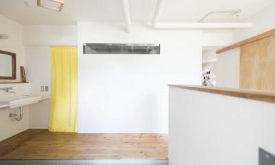 こだわりのお風呂と広々とした爽やかリビングが特徴のお部屋 (玄関に入ると・・・)