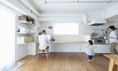 こだわりのお風呂と広々とした爽やかリビングが特徴のお部屋 (おとうさーん!)