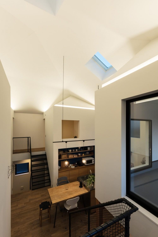 四つ角の家|家の中に4つの小さな家がある住宅【大阪府堺市】 (小さな家の灯りは気分に応じて調光できる。)