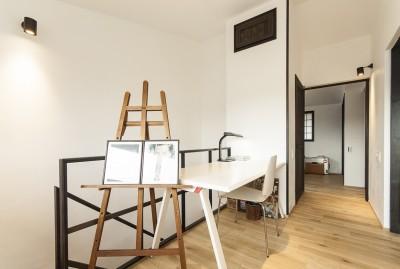 フリースペース (アレルギー反応を持つ子供が住むための和モダン住宅/美しい空気の家)