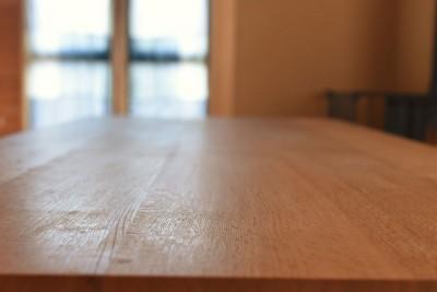 木組みのテーブル (岐阜の石場建て)