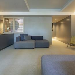 W house (living room)