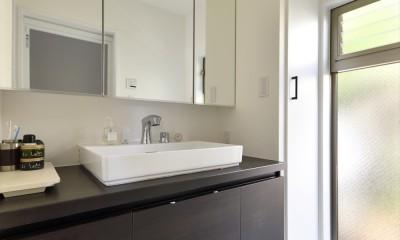 洗面|Y邸_家事動線は働く主婦の強い味方
