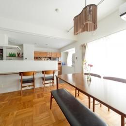 カリモク60の家具映えるパーケット床