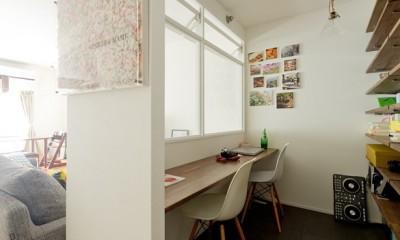 カリモク60の家具映えるパーケット床 (書斎)
