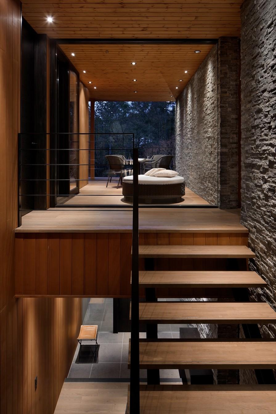 その他事例:階段(23B山荘)