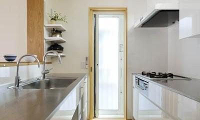 パッシブ冷暖xゼロエネルギーハウス (工夫満載のキッチン)