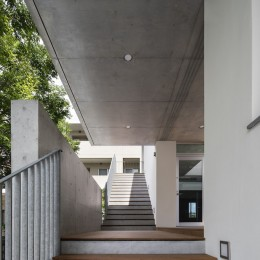 西宮N (屋外階段2階)