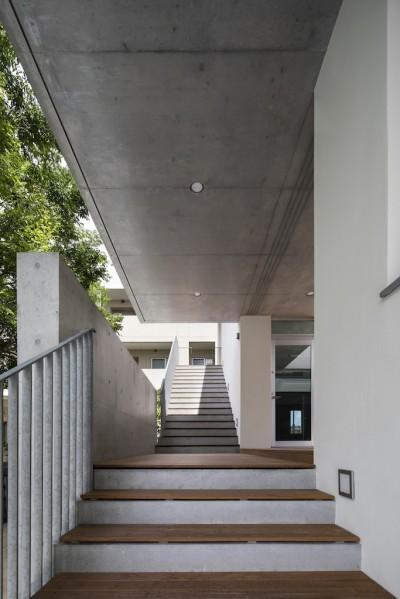 屋外階段2階 (西宮N)