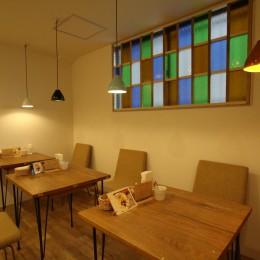 【大阪市 店舗】女性オーナーの雰囲気いっぱいのカフェ (テーブル席)