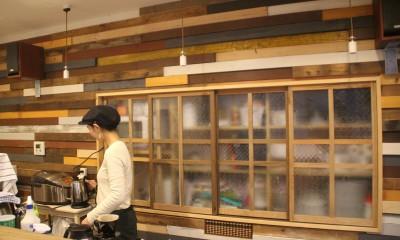 【大阪市 店舗】女性オーナーの雰囲気いっぱいのカフェ (カウンター)
