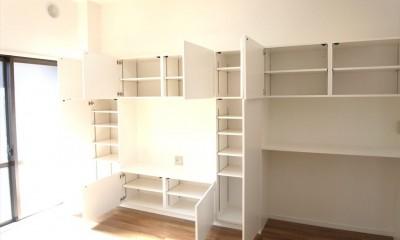 白を基調に空間を広く (テレビボード)