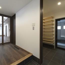 弘前・雪小見世の家 (玄関)
