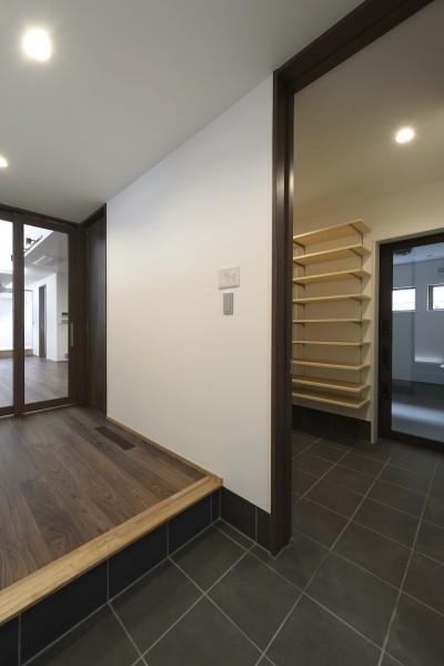 玄関 (弘前・雪小見世の家)