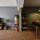 T邸_シックな空間が家族の時間を包むの写真 リビング・ダイニング