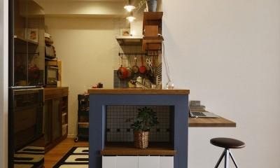キッチン|T邸_シックな空間が家族の時間を包む