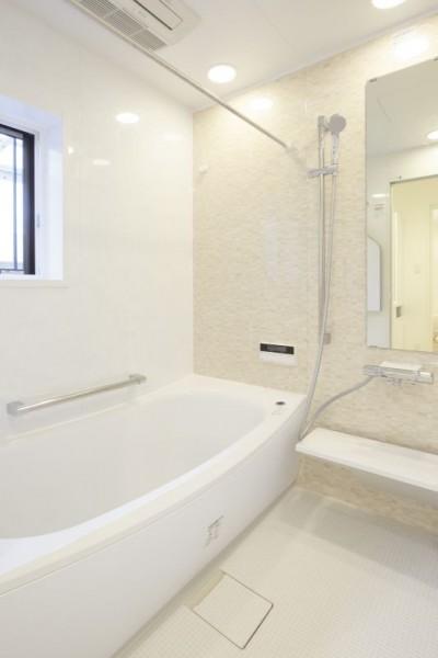 浴室 (イメージが形となったフレンチクラシックの明るいお家)