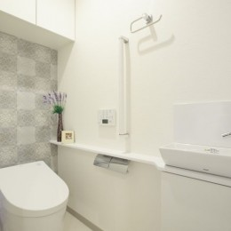 イメージが形となったフレンチクラシックの明るいお家 (トイレ)