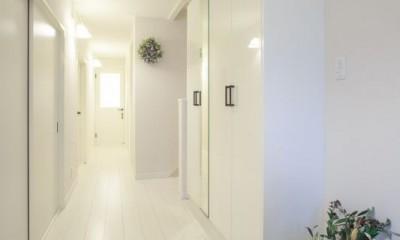 イメージが形となったフレンチクラシックの明るいお家 (玄関)