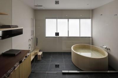 「離れ」2階、浴室 (海の見える母屋と離れ)