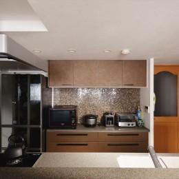 M邸_二人のためのまったりヴィラ (キッチン収納)