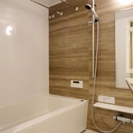 柔らかな灯りの間接照明 (バスルーム)