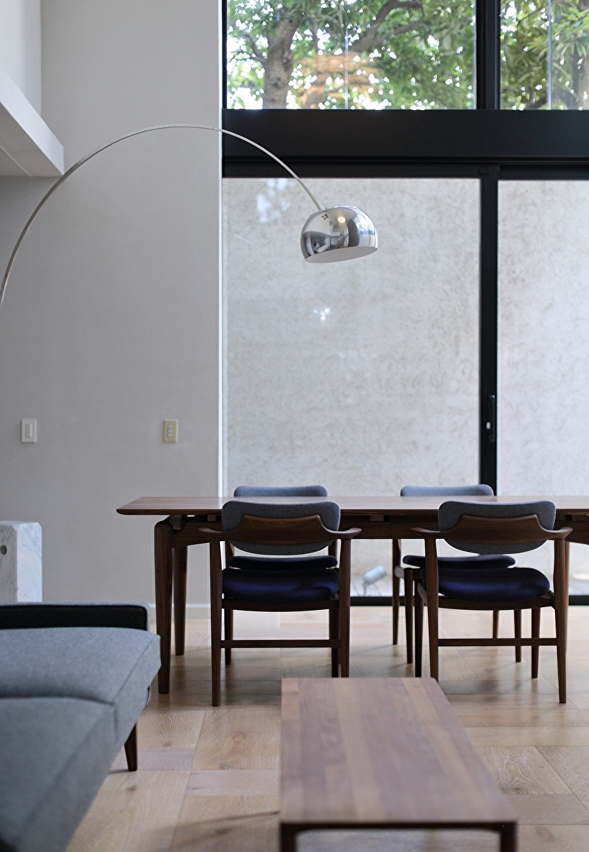 Y邸 (FILEオリジナル家具DT-3 Dining Table/KS1-F)