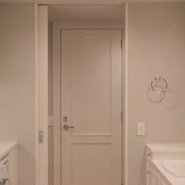 Y邸 (オリジナル建具で空間の統一感)