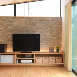 埼玉県北鴻巣の家 (間接照明を入れた造作のテレビボード)