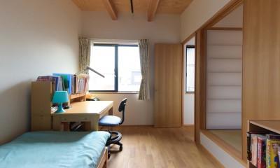 埼玉県北鴻巣の家 (畳スペースと子供部屋)