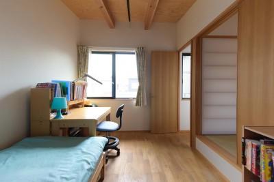 畳スペースと子供部屋 (埼玉県北鴻巣の家)