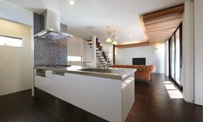 こだわりの家具や雑貨の世界観を楽しめる家 (キッチン)