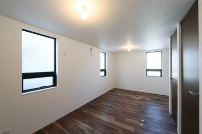 洋室 (キッチンから空が見える癒し空間のある家。)