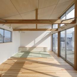 鎌取の家 (2階食堂・居間・畳の間。)