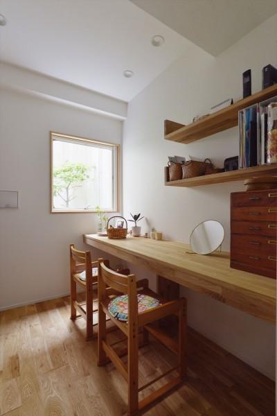 家事室 (I様邸_繋がる3世帯・4世代の暮らし)