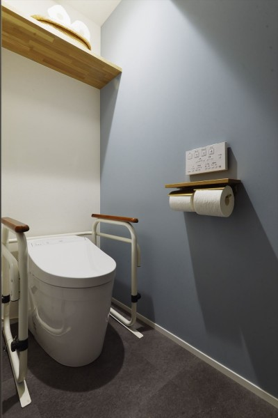 トイレ (I様邸_繋がる3世帯・4世代の暮らし)