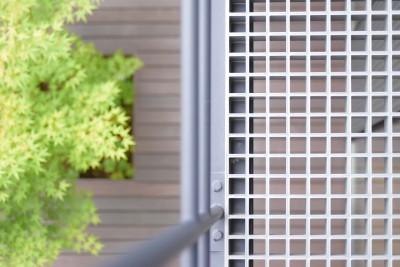 2階バルコニーの床 (埼玉県北鴻巣の家)