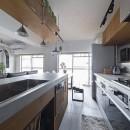 骨太キッチンが主役の家の写真 キッチン