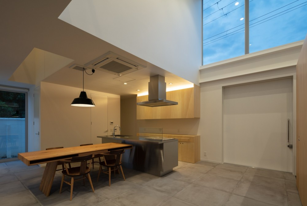 結崎の住宅 / House in Yuzaki (1階 LDK(夜景))