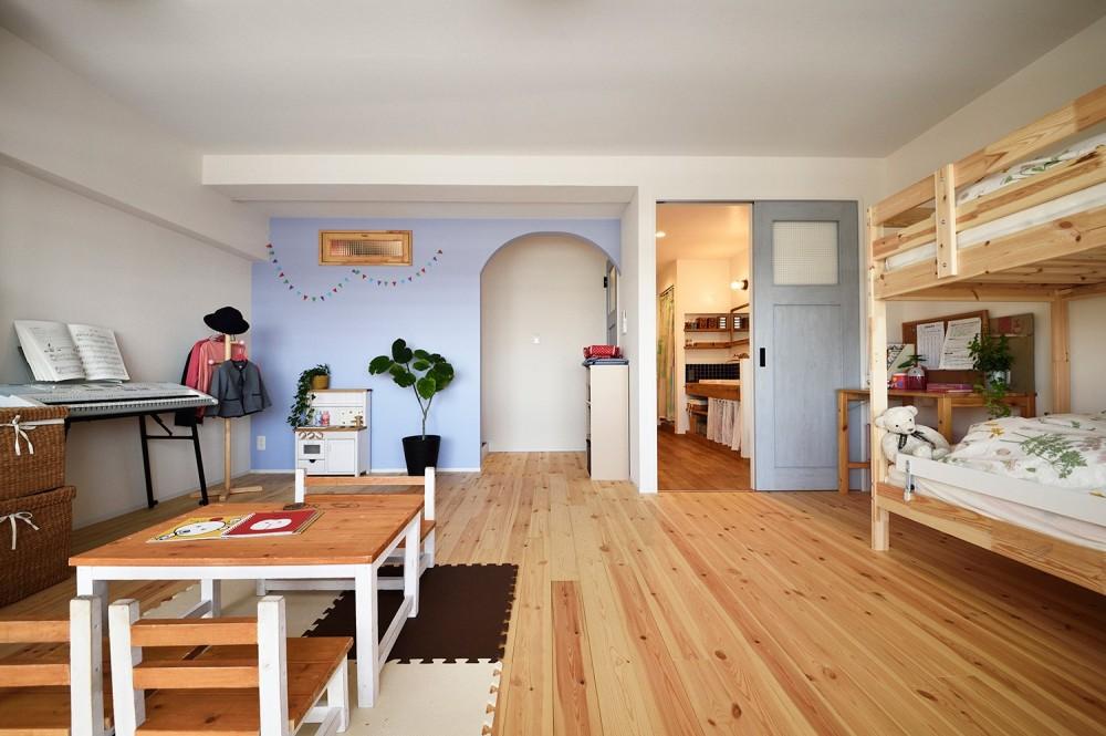 4LDKから2LDKリフォームでのびのび楽しく過ごせる家に (成長に合わせて変更できる子供部屋)