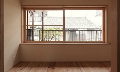 突抜の町家/素材の質感 京町家リノベーション (寝室)