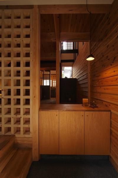 玄関/LDK (突抜の町家/素材の質感 京町家リノベーション)