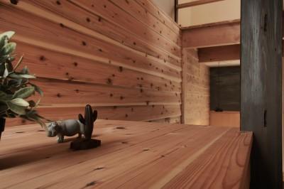 突抜の町家/素材の質感 京町家リノベーション (リビング)